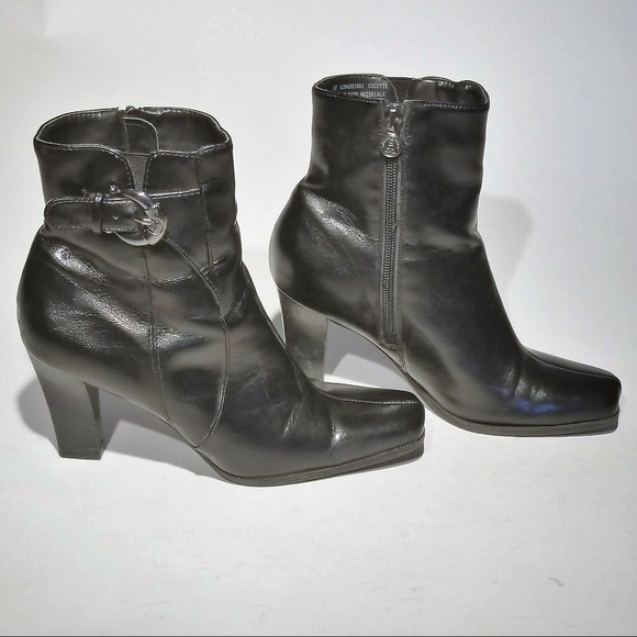 9f863854254 Etienne Aigner Black Leather Zip up Boots Size 6